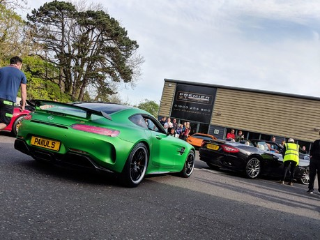 Sun & Supercars: Premier GT brings the noise to Horsham Piazza Italia 4