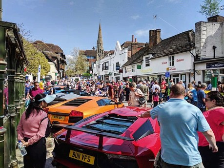 Sun & Supercars: Premier GT brings the noise to Horsham Piazza Italia 5