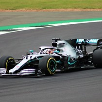 Pioneer To Dominator: Mercedes Benz in Formula One 2