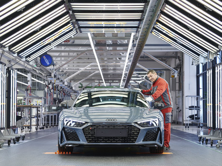Audi's fastest model is now even hotter: New 2019 Audi R8 revealed! 18
