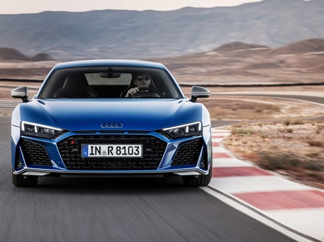 Audi's fastest model is now even hotter: New 2019 Audi R8 revealed!