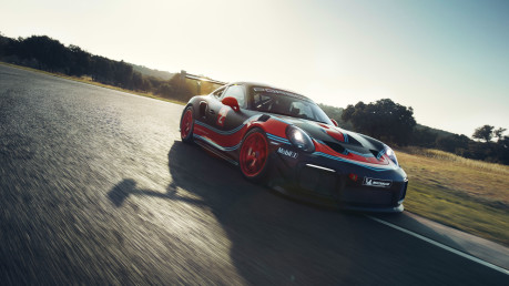 Porsche 911 GT2 RS Clubsport is too fast and furious for the road 5