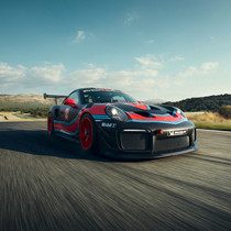 Porsche 911 GT2 RS Clubsport is too fast and furious for the road
