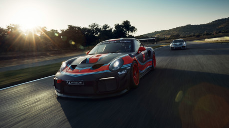 Porsche 911 GT2 RS Clubsport is too fast and furious for the road 2