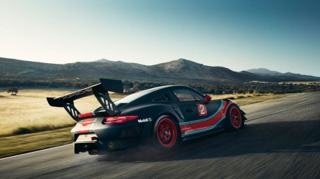 Porsche 911 GT2 RS Clubsport is too fast and furious for the road 3