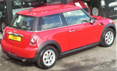 Mini Hatchback One 1.6 Pepper + CLIMATE + DAB + BLUETOOTH 8