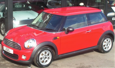 Mini Hatchback One 1.6 Pepper + CLIMATE + DAB + BLUETOOTH 7