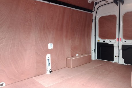 Ford Transit 350 RWD Leader L3 H3 130 ps Panel Van with Air Conditioning 9