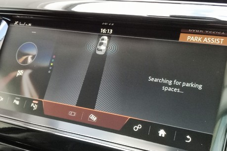 Land Rover Discovery SD4 Commercial HSE - Park Assist 23