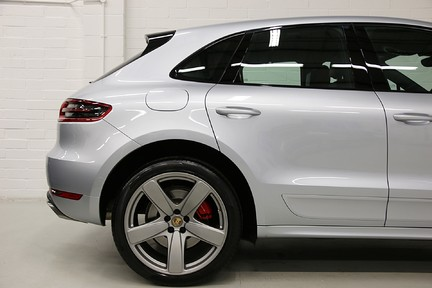Porsche Macan Turbo PDK with High Spec and Rare Colour Combination 15
