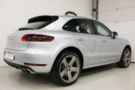 Porsche Macan Turbo PDK with High Spec and Rare Colour Combination 6