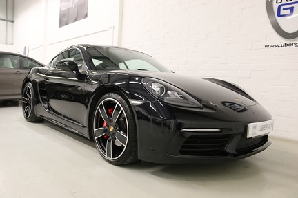 Porsche 718 Cayman S PDK with an Ultimate Specification 2