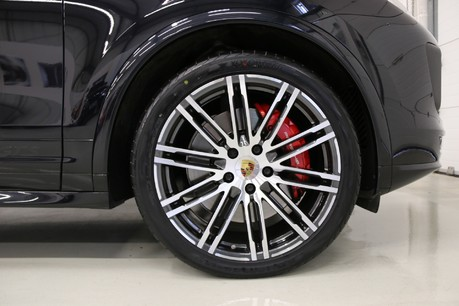"""Porsche Cayenne V6 GTS with 21"""" Turbo Alloys, Pan Roof and Much More Specification"""