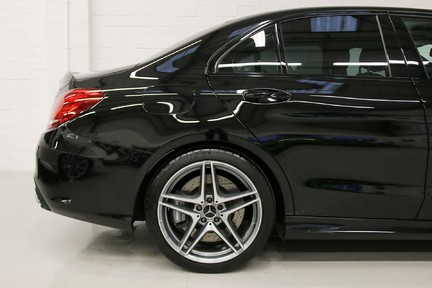"Mercedes-Benz C Class AMG C 63 Premium with Performance Exhaust and 19"" Alloys 17"