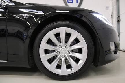 Tesla Model S 100D Premium AWD with a High Specification 14