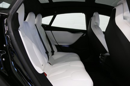 Tesla Model S 100D Premium AWD with a High Specification 11