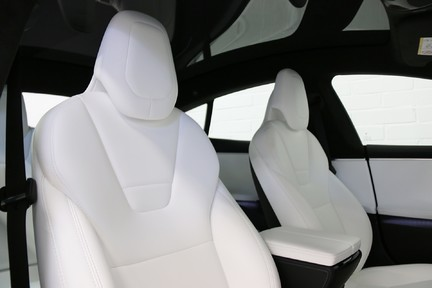 Tesla Model S 100D Premium AWD with a High Specification 8
