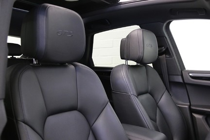 Porsche Macan GTS PDK with Panoramic Roof, BOSE, PDLS+ 20