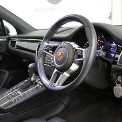 Porsche Macan GTS PDK with Panoramic Roof, BOSE, PDLS+ 2
