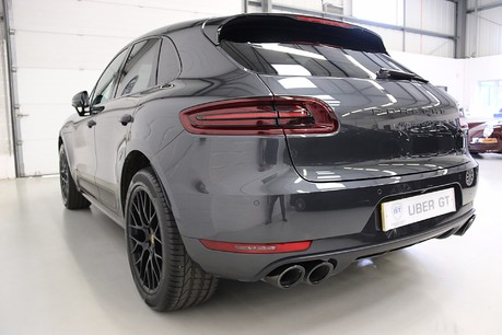 Porsche Macan GTS PDK with Panoramic Roof, BOSE, PDLS+ Specification