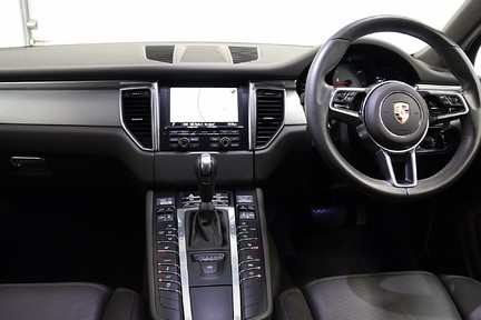 Porsche Macan D S PDK with Air Suspension and Burmester 24
