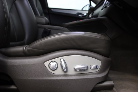 Porsche Macan D S PDK with Air Suspension and Burmester Specification