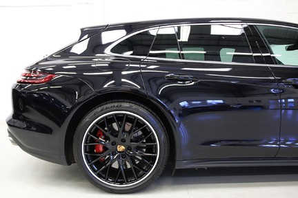 Porsche Panamera Turbo Sport Turismo with over £13,000 of Options 24
