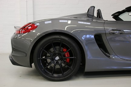 Porsche Boxster Spyder with Bucket Seats and More 30