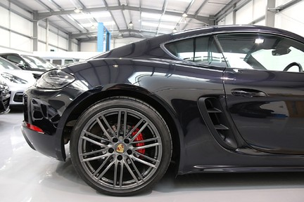 Porsche 718 Cayman S PDK with a Huge Specification 16