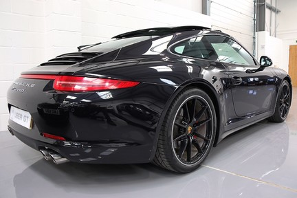 Porsche 911 Carrera 4S PDK with an Ultimate Specification 3