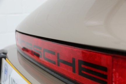 Porsche 911 SC Cabriolet - A special car with a great history 32