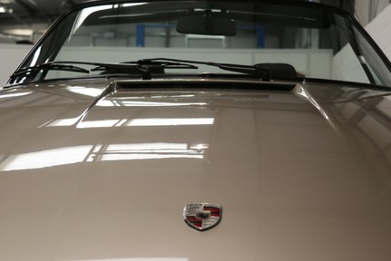 Porsche 911 SC Cabriolet - A special car with a great history 33