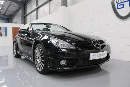 Mercedes-Benz SLK 55 AMG in Wonderful Condition with A Great Service History 2