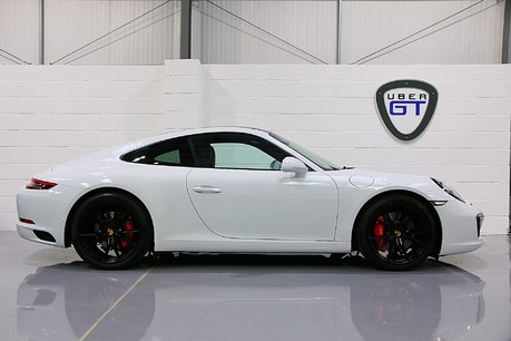 Porsche 911 Carrera S PDK with an Ultimate Specification