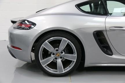 Porsche 718 Cayman PDK only 4500 miles 9