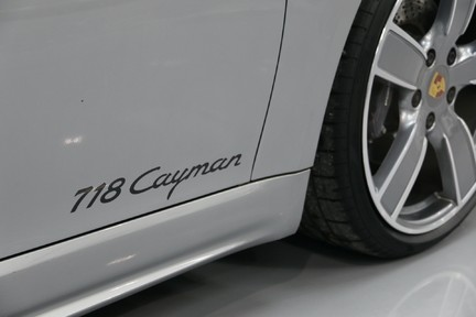 Porsche 718 Cayman PDK only 4500 miles 10