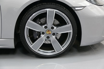 Porsche 718 Cayman PDK only 4500 miles 5