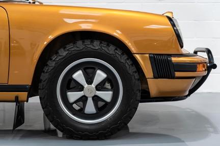 Porsche 911 Targa Safari Goldfinger 29