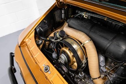 Porsche 911 Targa Safari Goldfinger 14