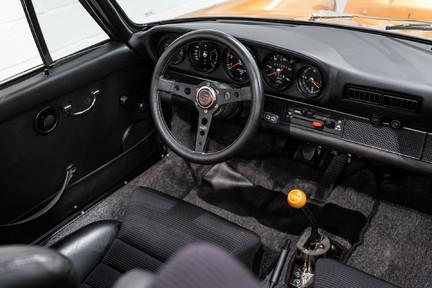 Porsche 911 Targa Safari Goldfinger 23