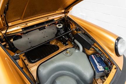 Porsche 911 Targa Safari Goldfinger 39
