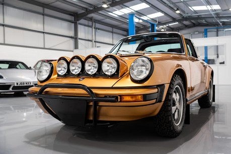 Porsche 911 Targa Safari Goldfinger Specification