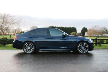 BMW 3 Series 340i M Sport Shadow Edition with a High Specification 27