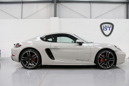 Porsche 718 Cayman S PDK - 1 Owner with a Lovely Specification 1