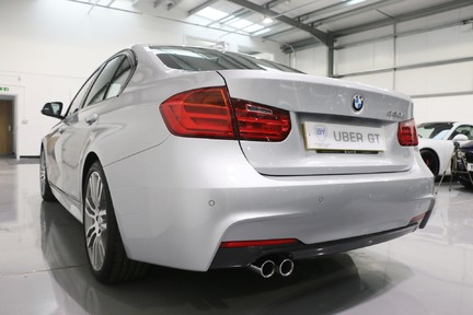 BMW 3 Series 330d M Sport with a Great Specification 4