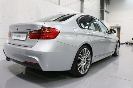 BMW 3 Series 330d M Sport with a Great Specification Specification