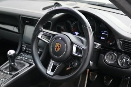 Porsche 911 Carrera T Manual - Amazing Drivers Car 19