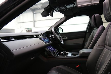 Land Rover Range Rover Velar R-Dynamic HSE with a Huge Specification 31