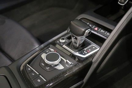 Audi R8 Spyder V10 Quattro with the Ultimate Specification 15
