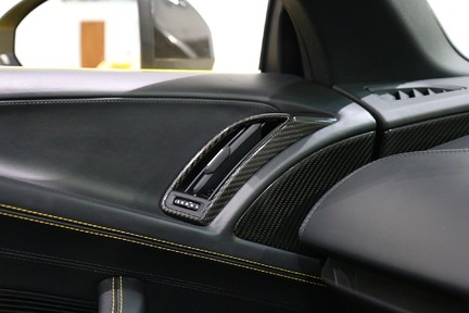 Audi R8 Spyder V10 Quattro with the Ultimate Specification 17
